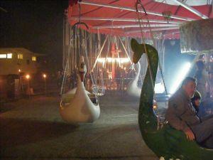 Hattyús-sárkányos hintánk a Holnemvolt Parkban